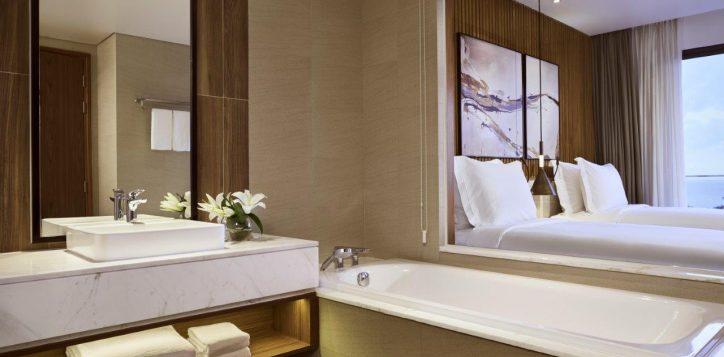 movenpick-phu-quoc-residence-twin-seaview-bathroom-2