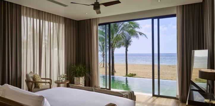 villa-bedroom-master-2